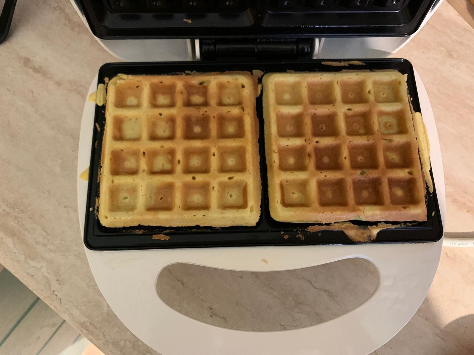 piastra e waffle dopo la preparazione