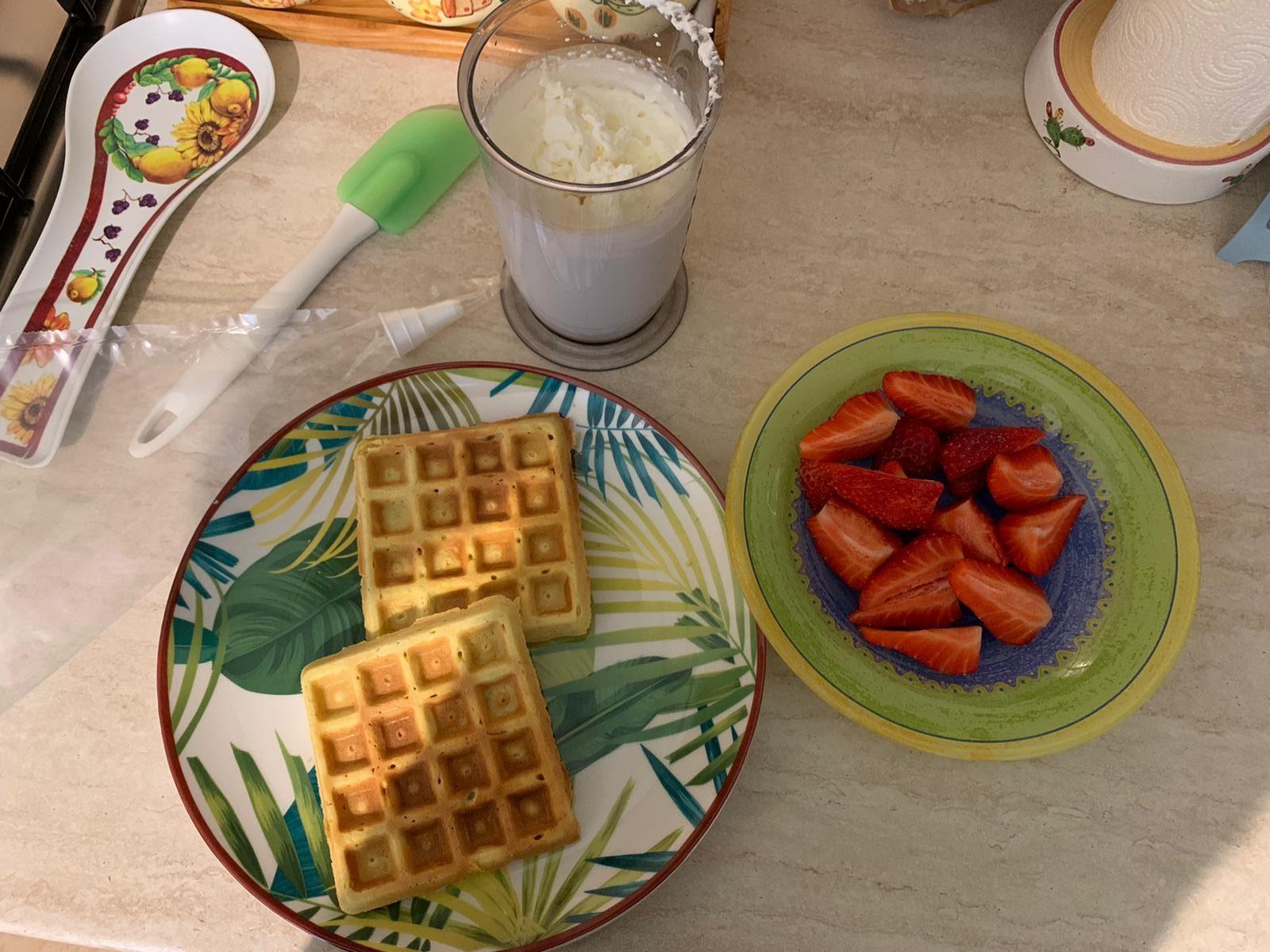 sana colazione con waffle